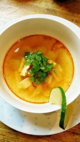青パパイヤと豆腐のエスニックスープ