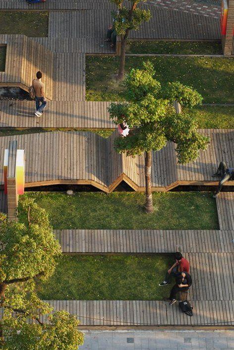 Kic Park Urban landscape in Shanghai.  Il Kic Park è un parco urbano residuale, immaginato da Francesco Gatti come uno spazio imprevisto e sopravvissuto all'edificazione, che fa da ingresso all'area del Kic Village,...