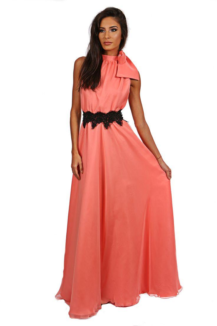 Rochie lunga din voal Miris - http://missgrey.ro/rochii/120-rochie-miris.html - cu matase corai cu esarfa - o rochie deosebita, eleganta si vaporoasa, pentru un eveniment pe masura. Rochia are o esarfa ce se leaga in jurul gatului oferind tinutei un aer dramatic, spatele gol pentru un plus de delicatete si senzualitate, iar in talie este accesorizata cu un detaliu negru din dantela si paiete, Poarta acesta rochie lunga si lasa-te admirata!