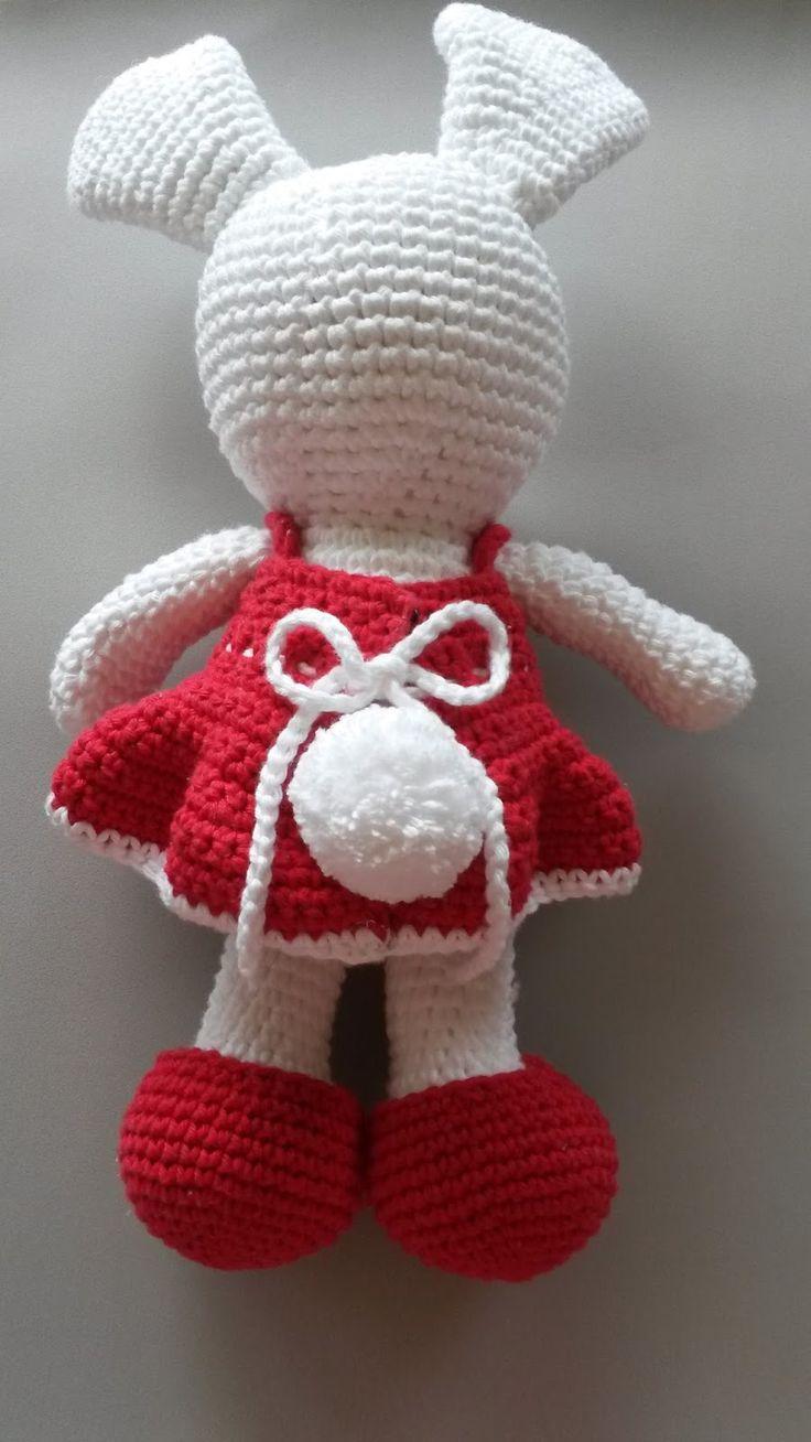 Oi, pessoal! Tudo bem?   Recentemente eu publiquei no face a foto de uma coelha, que fiz inspirada pela Páscoa. Depois disso, recebi muit...