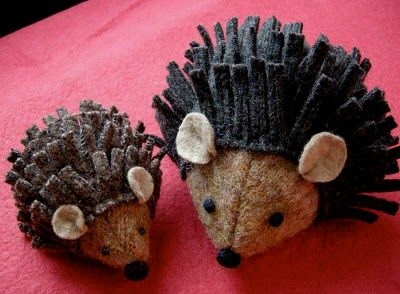 little hedgehogs are made from old wool sweater bits - could use same idea and do in felt (these have a tiny red felt heart on their underside - cute)