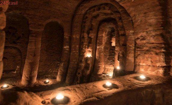 Santuário quase intocado: Toca de coelho levou à descoberta de caverna de cavaleiros templários