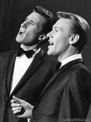 """THE RIGHTEOUS BROTHERS """"You´ve lost that loving feeling""""  The Righteous Brothers  @ Magic Mountain in the 70's performing"""