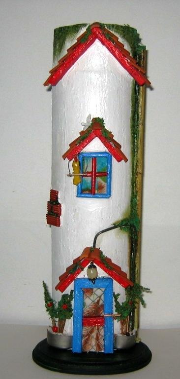 Guaduas decoradas artesanalemente evocando nuestras casas de campo.