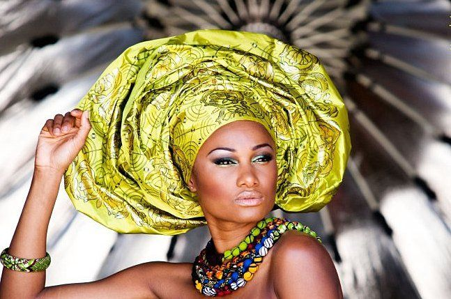 Green Gele - Traditional African wedding attire mooie styling.
