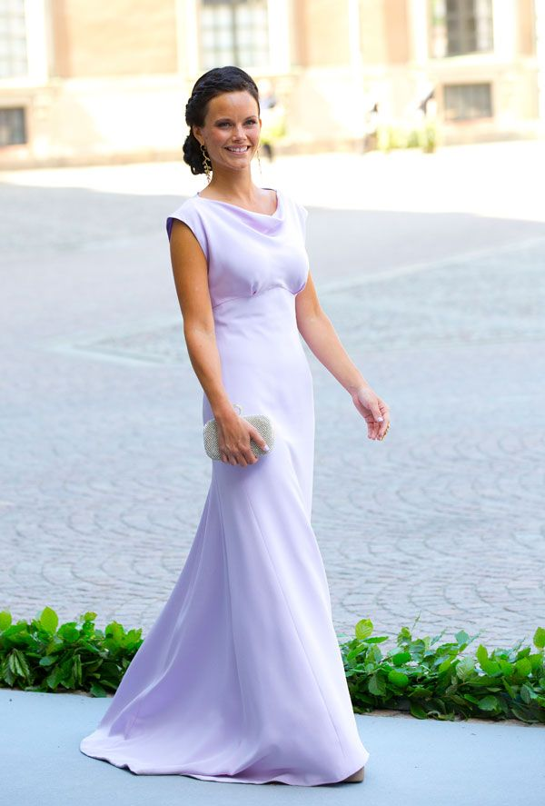 Sofia de Hellqvist, namorada do príncipe Carlos Filipe. #casamentoreal #vestidos #convidadas