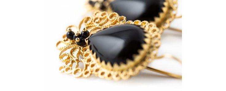Gold Filigree earrings with Onyx loredanamandas.com
