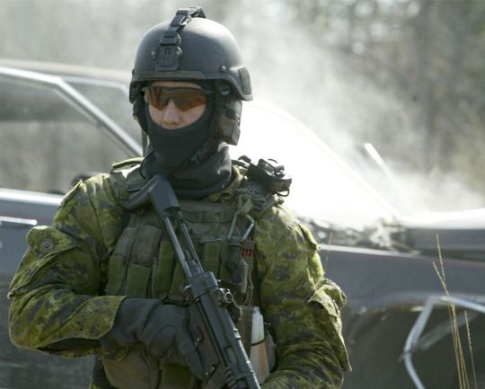 An Assaulter from JTF-2 during an exercise in Canada, early 2000s