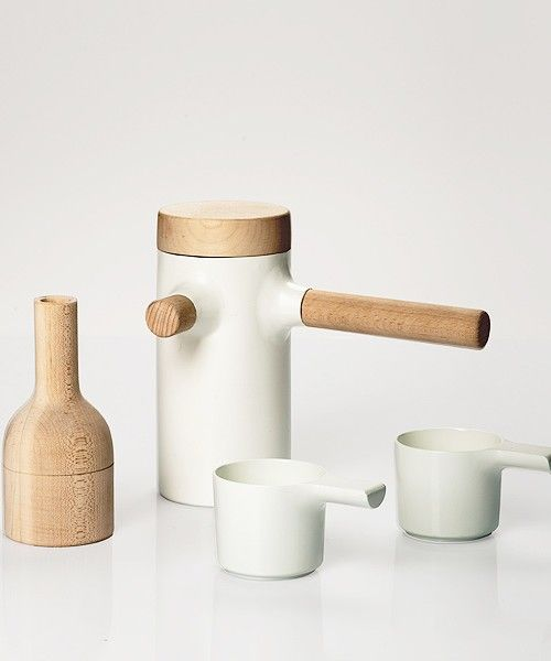 Times is a minimalist design collection created by Switzerland-based designer Fredrik Wærnes. The collection consists of coffee pots, cups, ...