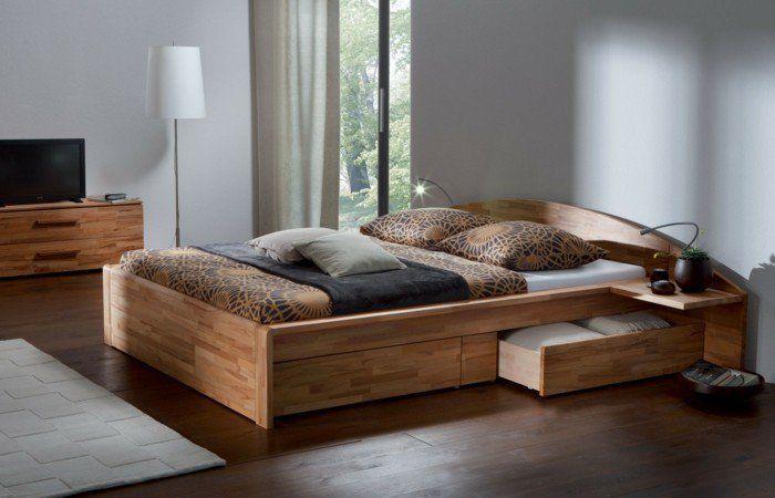 lit tiroir ikea en bois, lit avec tiroir de rangement et sol en parquet pour la chambre à coucher