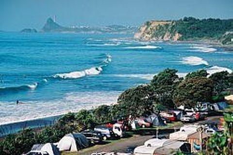 walk to popular surfing beach, trendy cafes + shops. Oakura NZ hosted Tom Cruise during 'THE LAST SAMURAI' movie