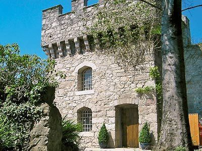 Hen Wrych Hall Tower20in Conwy