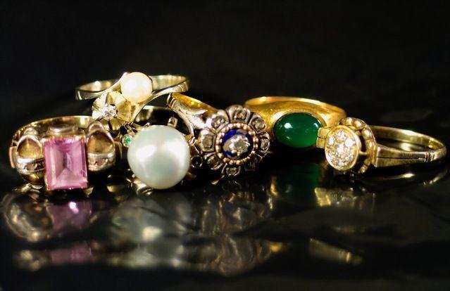 Rengøring af smykker er en detalje, der er særlig væsentlig for at holde levetiden af dine perler, emaljerede smykker, diamanter, ædelsten og ædelmetaller som guld, sølv, forgyldt sølv, Rhodinerede smykker, samt kunstige uægte smykker.  Figur 1. Resultat af rensning … Læs resten →