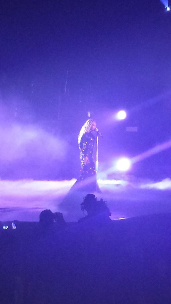 Beyoncé Performing Haunted At Phone 4U Arena Manchester 25.2.2014