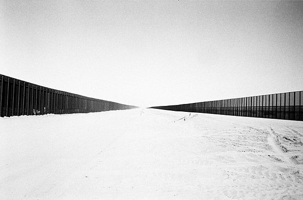 an essay on the united states mexican border Why build a border wall the us fence on the mexican border should be understood both in terms of a history of the united states and mexican.