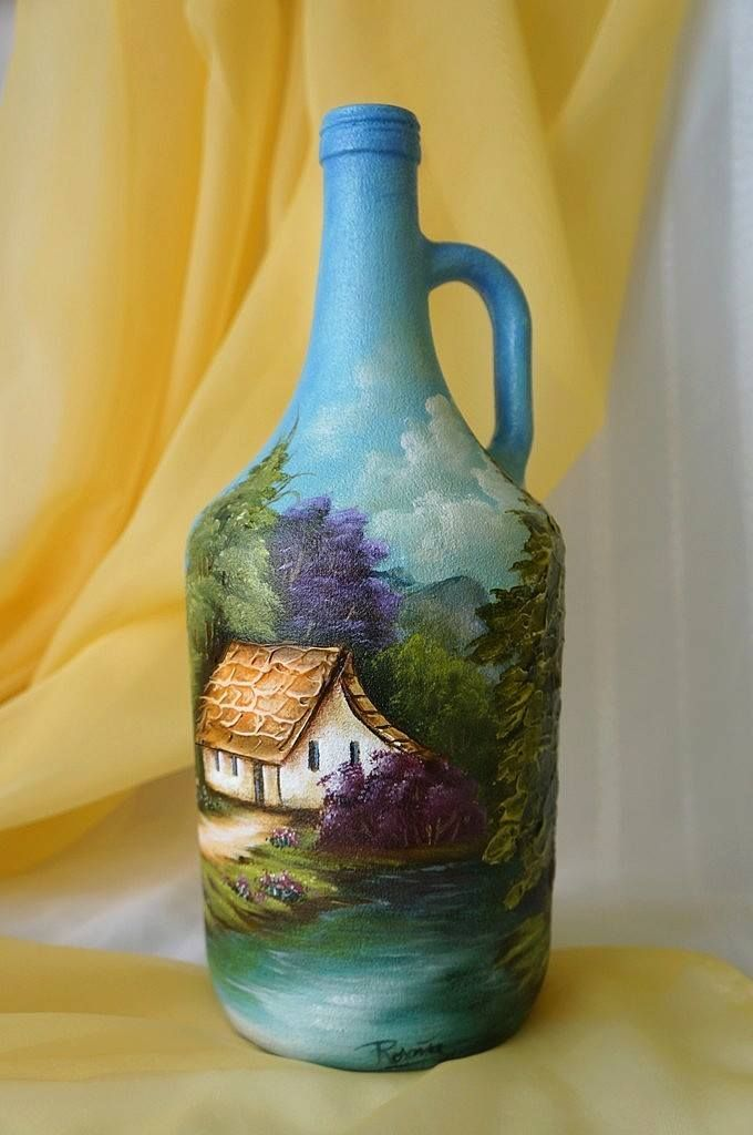 ~~ Anyone can paint dots on a bottle on a drawn on patyern but not everyone can paint a bottle like this. Now this is real art! Bravo to the artist ~~