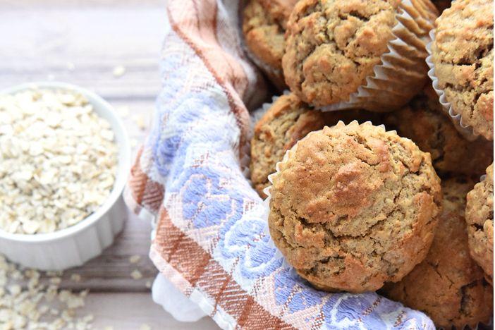 Gezond eten hoeft niet duur te zijn. Neem bijvoorbeeld deze ontbijt muffins. Gezond, lekker en gemaakt met ingrediënten die binnen je budget passen.