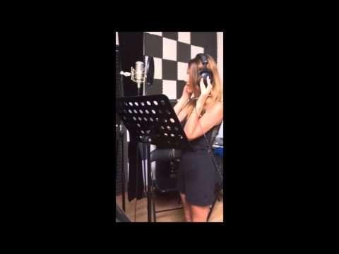 Una Finestra tra le Stelle- Annalisa Scarrone_ Cover by Jessica Ruscitti - YouTube