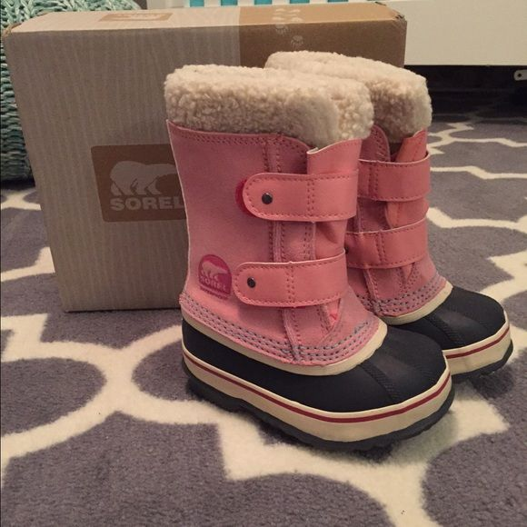 Sorel Toddler Snow Boots Toddler Size 9 Bought for a snow ski trip, she wore them twice! Look good as new! Warm and water proof! Toddler Size 9, paid $45 SOREL Shoes Winter & Rain Boots