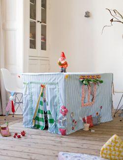 Une table fortifiée pour les jeux des enfants