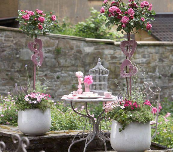 Aus der aktuellen Ausgabe: Blütenromantik im Stil englischer Gärten