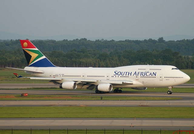 Very first scheduled arrival of South African Airways to IAD. Boeing 747-400 ZS-SAK. by tipekusair, via Flickr