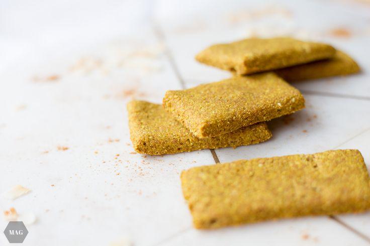 Mit denselben Gewürzen der Goldenen Milch gebacken: Kurkuma-Kekse! Außerdem ohne Industriezucker und vegan - gesundes Naschen mit gutem Gewissen.