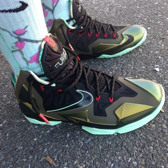 lebron 11 parachute gold release 1 570x570 Trinidad James Shows Off His LeBron 11 Parachute Gold