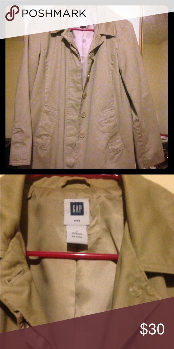 Gap coat/jacket Size Small Gap coat, light weight, 2 pockets. In great condition! Very cute on! Buttons up. GAP Jackets & Coats