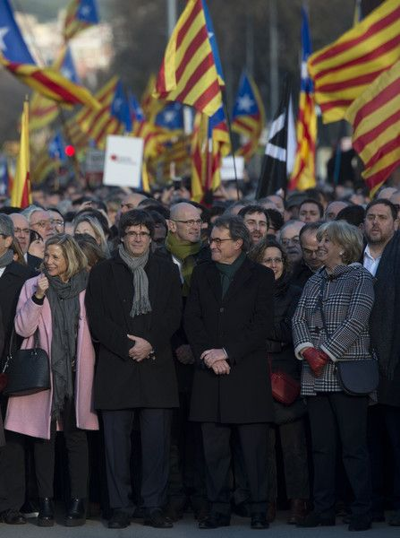 Former President of the Catalan Government and leader of Partit Democrata Europeu Catala (Catalan European Democratic Party) PDECAT Artur Mas (3rdR) poses with President of the Catalan Government Carles Puigdemont (2ndL), former Catalan vice-president of Catalan Government Joana Ortega (L), former Minister of Education of the Catalan Government Irene Rigau (2ndR), Catalan regional vice-president and chief of Economy and Finance and leader of the Esquerra Republicana de Catalunya (ERC)…