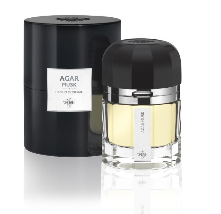 Agar Musk by Ramón Monegal is a Oriental Woody fragrance for women and men. Powerful, sensual and noble. Balance of elegance and opulence.An entrancing blend of musk and oud, Agar Musk is aromatic and enveloping. This odyssey to the Garden of Eden billows with amber, vetiver, leather and sweet precious nutmeg.Key notes: Arabian agarwood (Oud), cuir vitessence (leather), nutmeg, acte, vetiveryle, ambroxane and musk cocktailIt comes packaged in a handmade glass-and-Bakelite bottle in the…