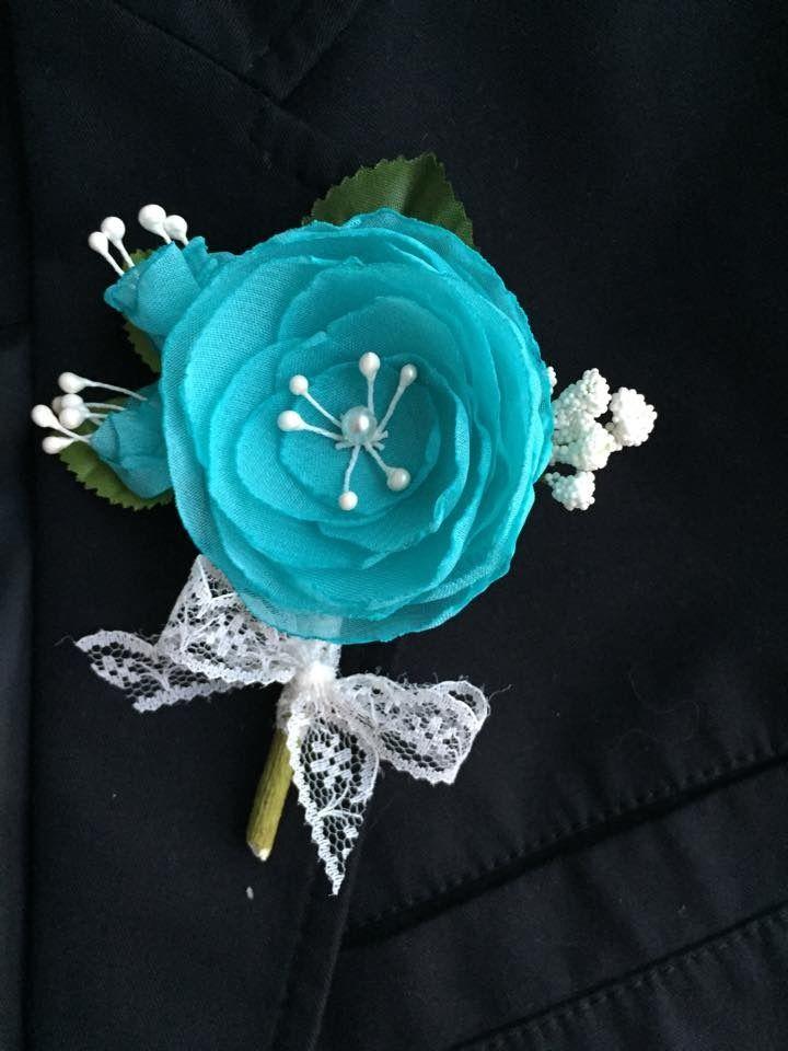 Boutonnière pour mariage Turquoise et vert - Fleurs fait main et dentelle : Autres accessoires par fleurs-de-provence