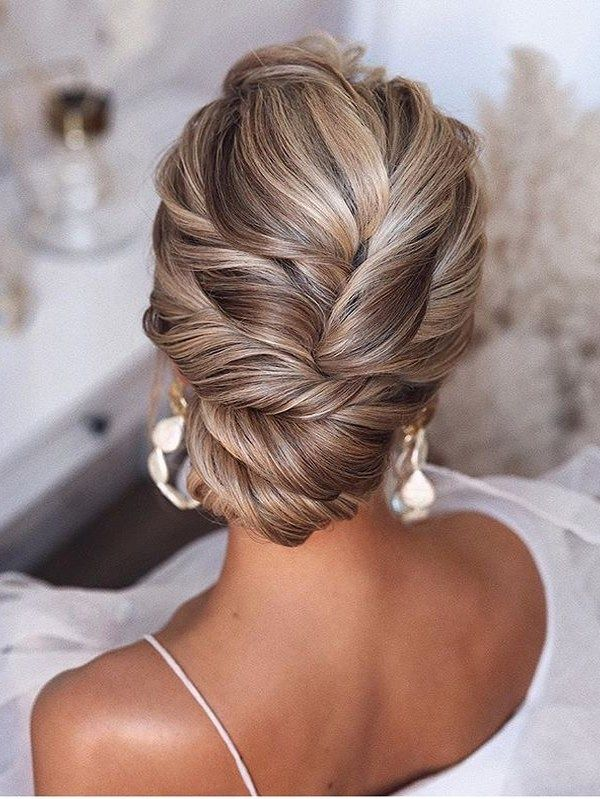 Elegant Bridal Updo Hairstyles Ideas to Show Off Nowadays