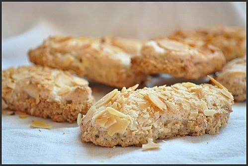 Bâtonnets Moelleux Amande Noisette / Soft Almond And Hazelnut Sticks Recipe (Chocolatatouslesetages), French to English Use Google Translate