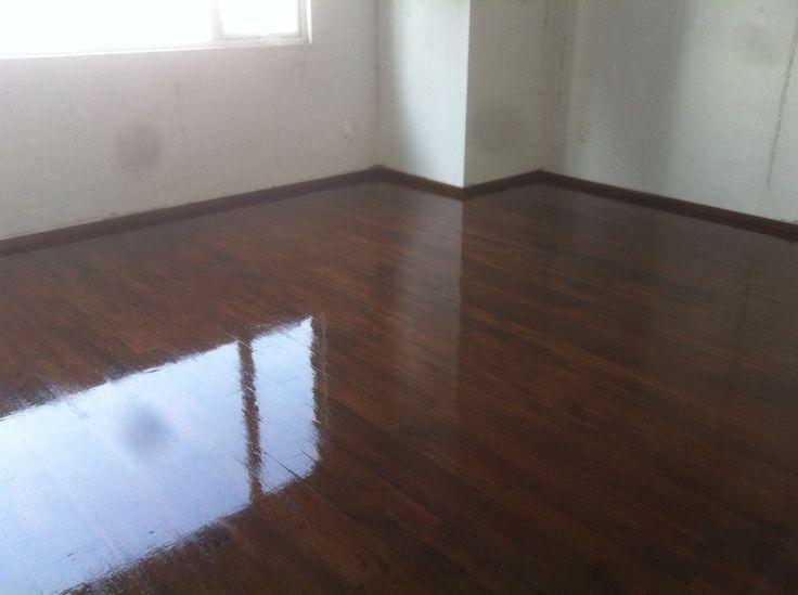 Duela de Encino entintada a tono nogal Somos tu mejor opción  Mantenimiento entintado a tono nogal . Somos jonuco pisos de madera .