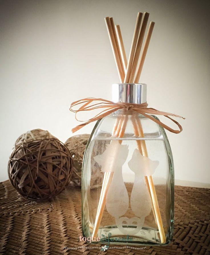 Adoro os aromatizadores, acho que sempre dão um toque diferente na decoração além de perfumar o ambiente.      São muito fáceis de fazer. Eu...