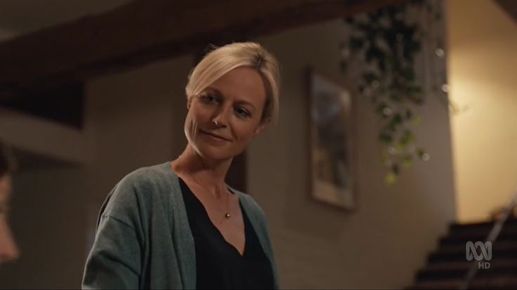 Janet King gazing at her beloved ❤️ Marta Dusseldorp, Bianking