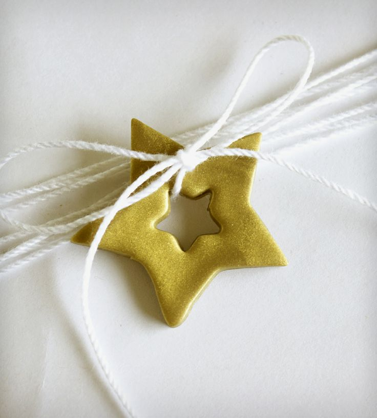 Gold Star Holiday Gift Tag | Gifts Cards & Stationery | Hello Plum Studio | Scoutmob Shoppe | Product Detail