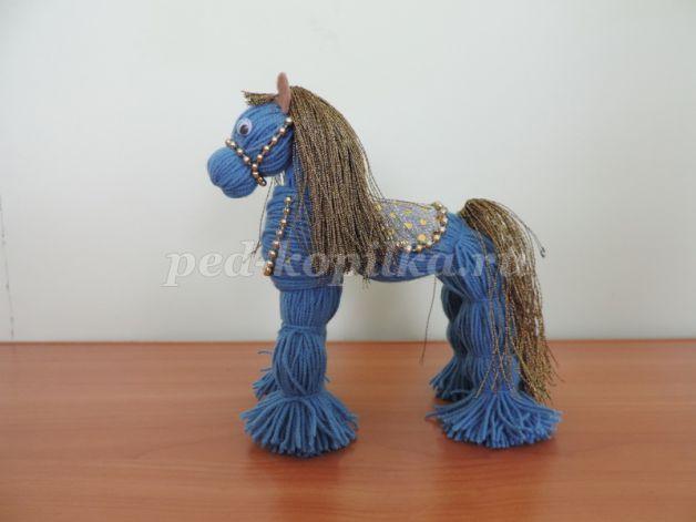 Лошадка из ниток. Мастер-класс с пошаговыми фото