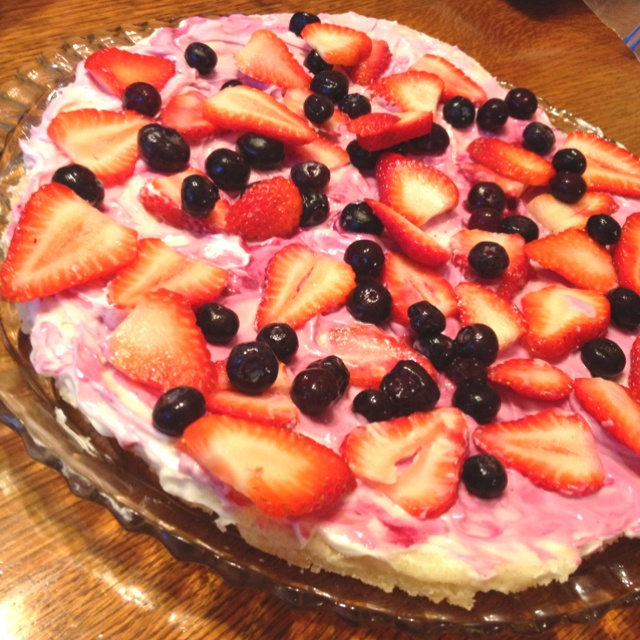 Fruit pizzas, Pizza and Fruit on Pinterest
