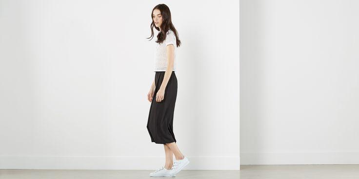 26€ Sfera.com+-+Pantalón+cropped+fluido+con+elástico+en+cintura+y+falsos+bolsillos+traseros.++Mujer,Pantalones+028-058305008698+-+http://www.sfera.com/es/mujer/pantalones/pantalon-cropped-616221a/08698/