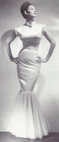 Now that's a dress!  Sara Lou Harris, 1940s. Courtesy of VintageBlackGlamour.com
