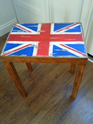 little distressed union jack table