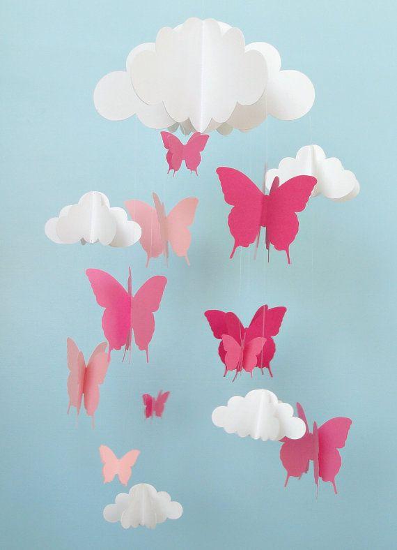 Móvil móvil de bebé mariposas y nubes móviles la por goshandgolly