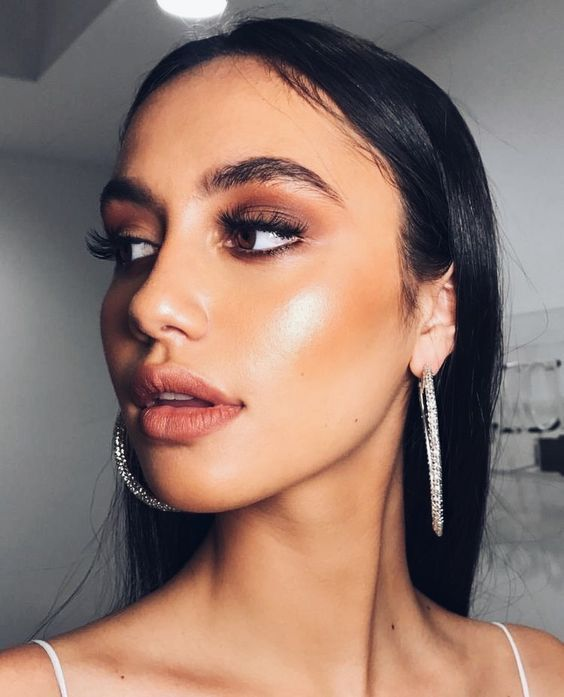 30+ Inspired F/W Beauty Looks That We Wanna Try