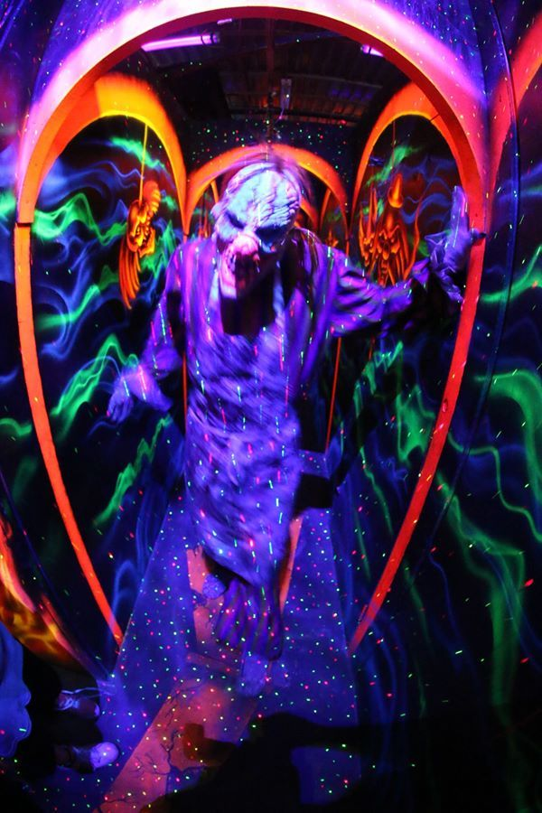 17 best images about black light halloween on pinterest for Deep house rave