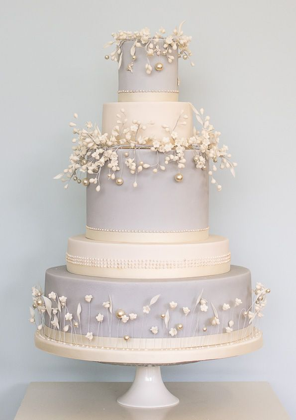 wedding cake by Rosalind Miller winter collection (1)
