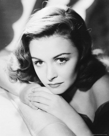 Donna Reed, born in Dennison, IA, was actress in It's a Wonderful Life, The Last Time I Saw Paris, From Here to Eternity, They Were Expendable, The Picture of Dorian Gray  #styleicon #modcloth