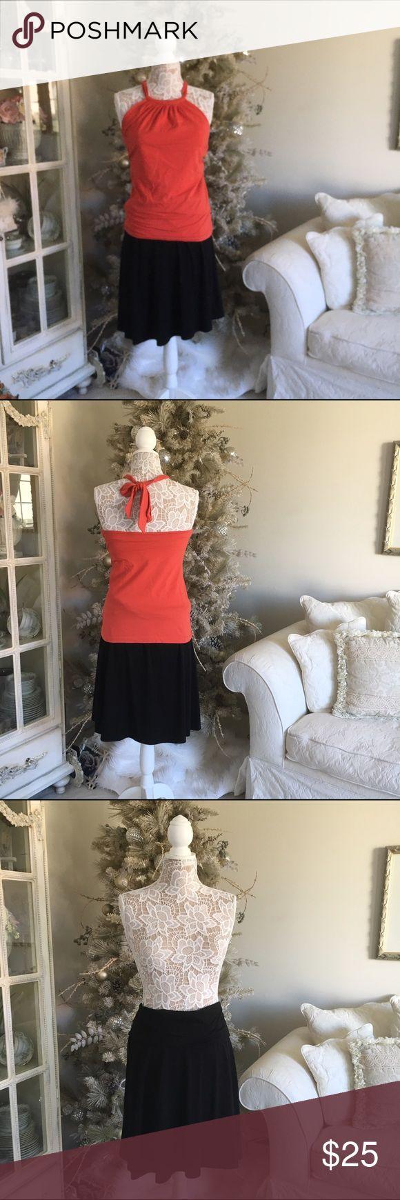 Black Lycra midi skirt by Old Navy Black cotton and Lycra midi skirt by Old Navy. Good condition🚫trades Old Navy Skirts Midi