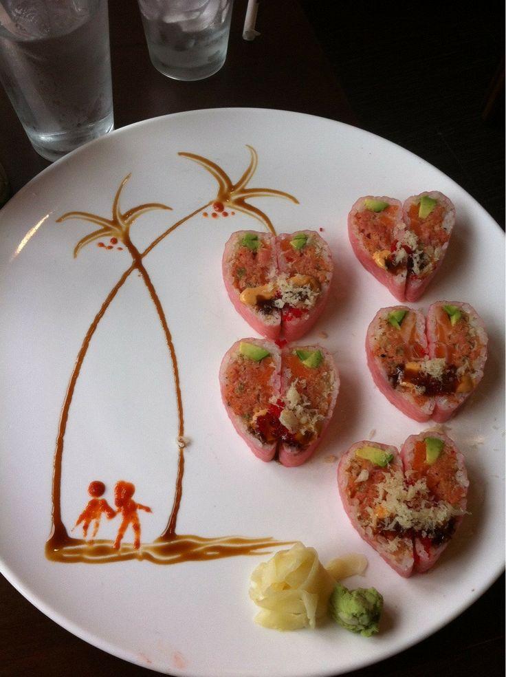 sushi art... dat Sriracha